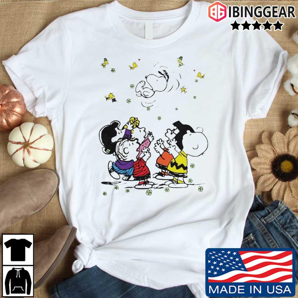 The Snoopy Woodstock and friends playing in vacation shirt