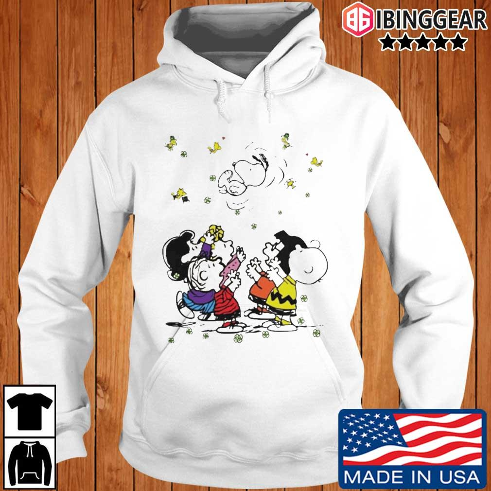 The Snoopy Woodstock and friends playing in vacation Ibinggear hoodie trang