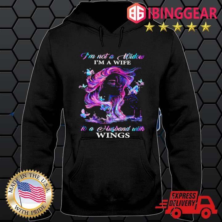 I'm not a window I'm a wife to a husband with wings s Hoodie den