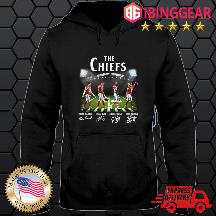 The Chiefs Abbey Road Patrick Mahomes Travis Kelce signatures s Hoodie den